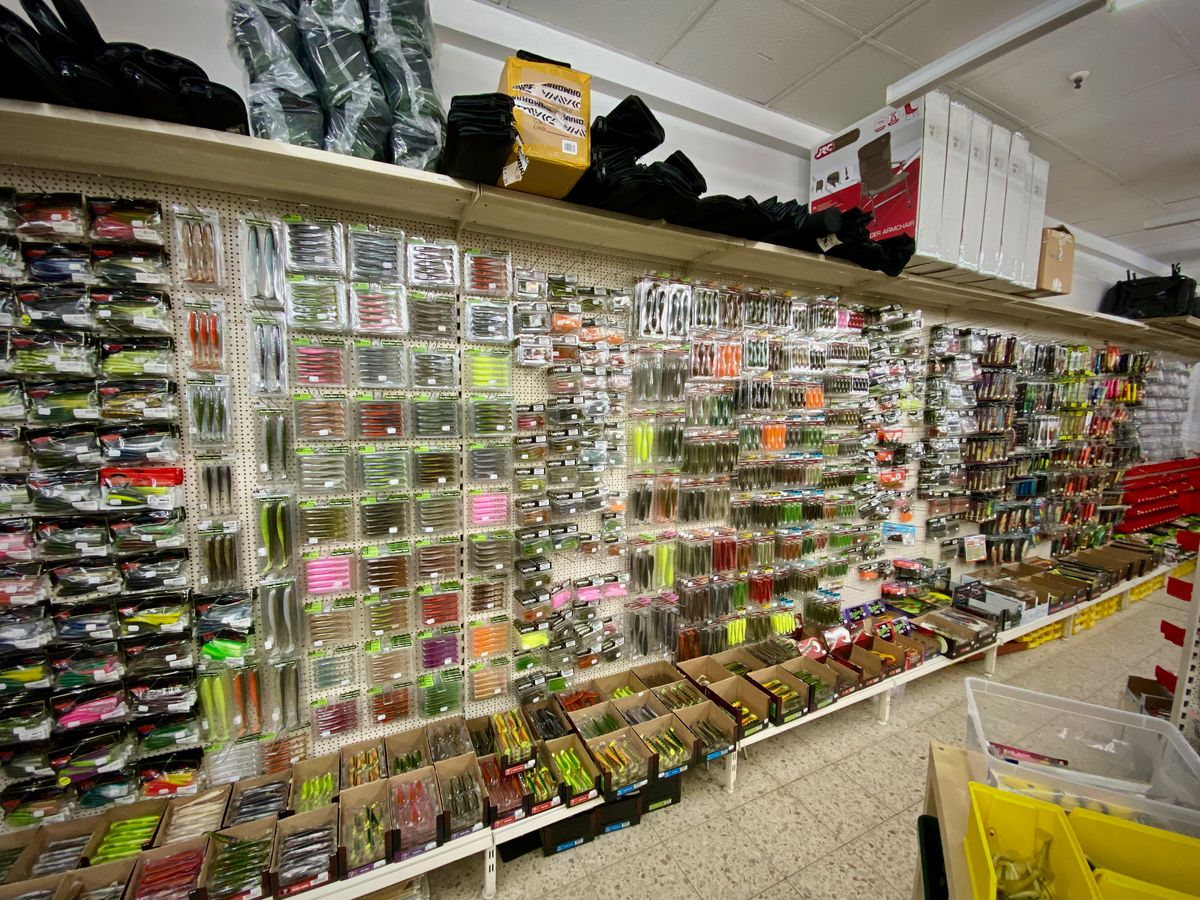 Gummiköder, Creaturebaits, Softballs, Wobbler, Jerkbaits, Keitech, StrikePro, Forge of Lures,